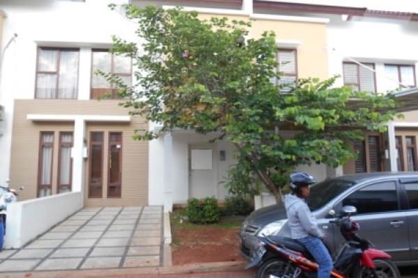Dijual Rumah Alamanda Jakarta Garden City Sudah Renov