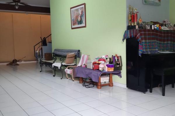 Dijual Rumah Lokasi Strategis Jalan Besar Jarang ada di Gading Kirana Kelapa Gading